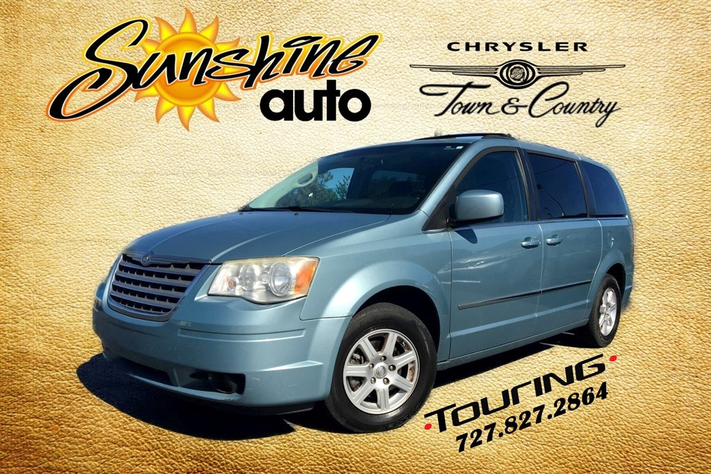 2010 Chrysler Town & Country Touring Plus photo