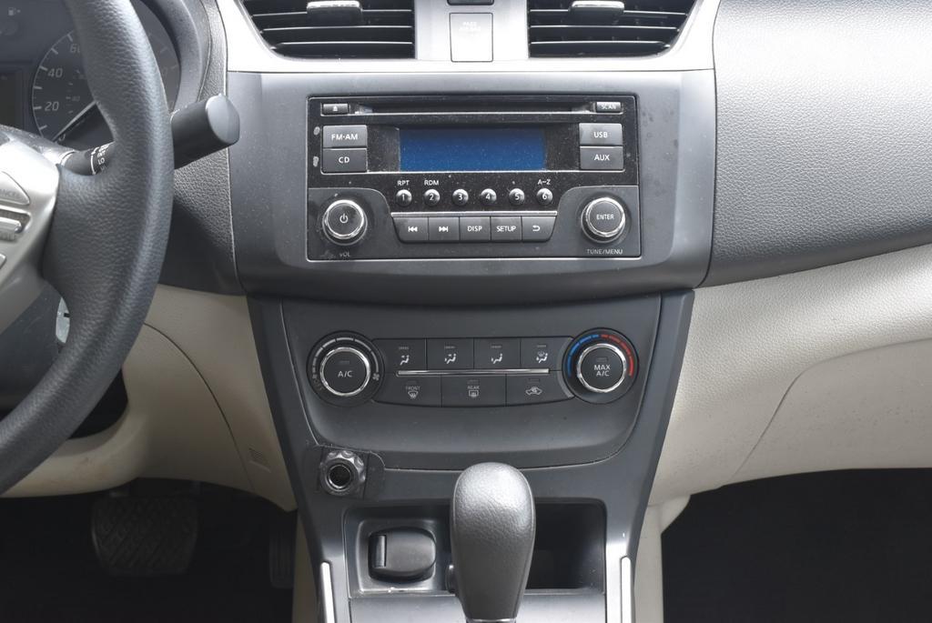 2016 Nissan Sentra SL photo