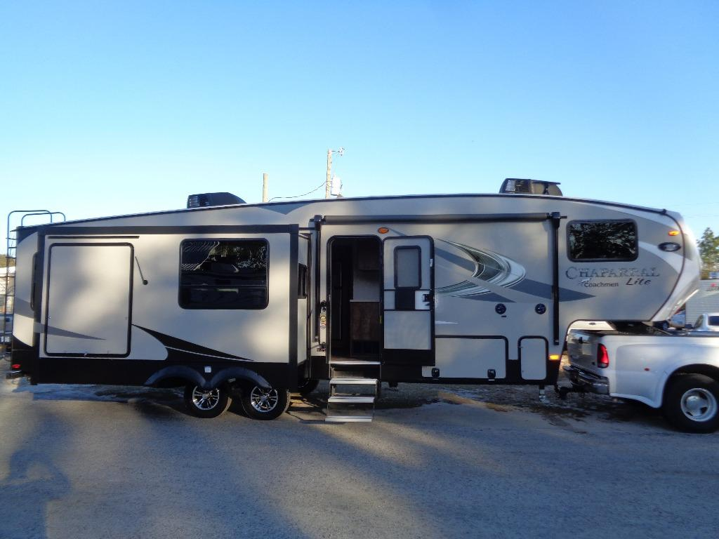 2018 Coachmen RV CHAPARRAL 285RLS REAR LIVING