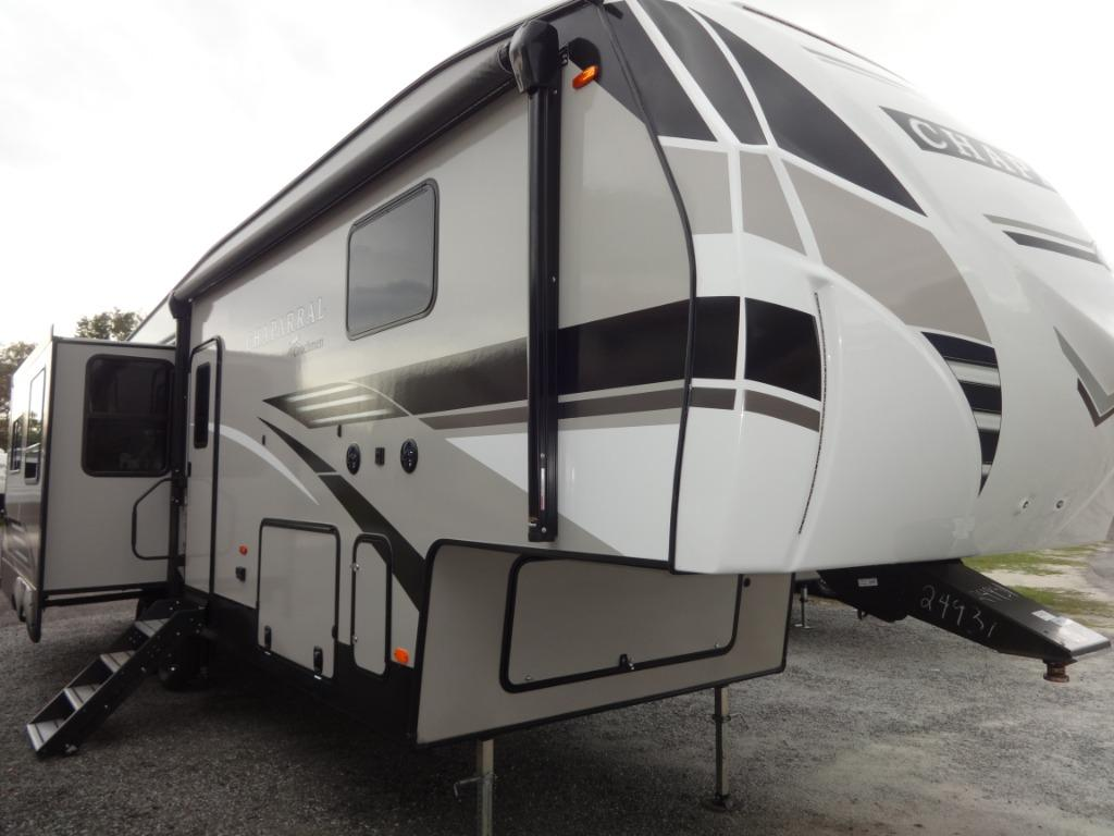 2020 Coachmen RV CHAPARRAL 336TSIK TABLE SLIDE ISLAND KING BED