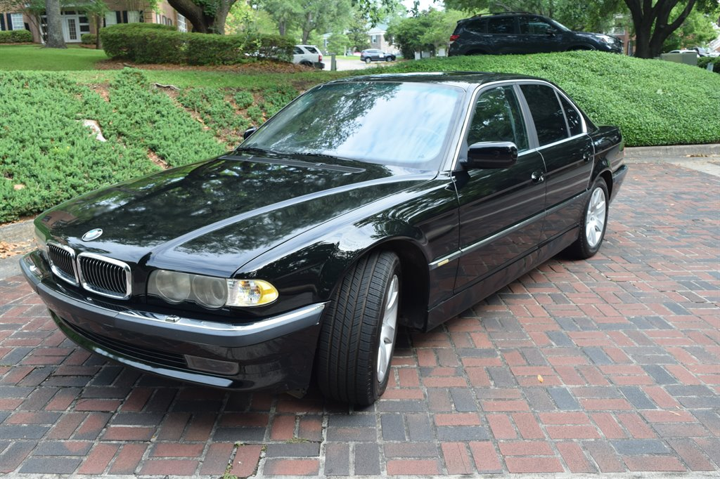 2001 BMW 7-Series 740i photo