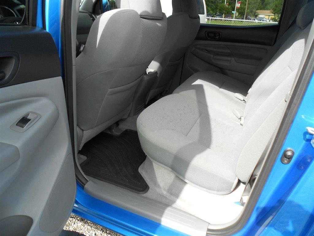2011 Toyota Tacoma PreRunner V6 photo
