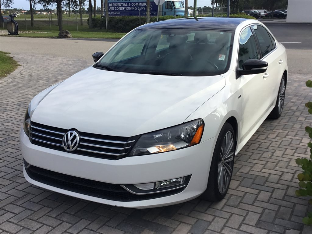 2015 Volkswagen Passat Sport photo