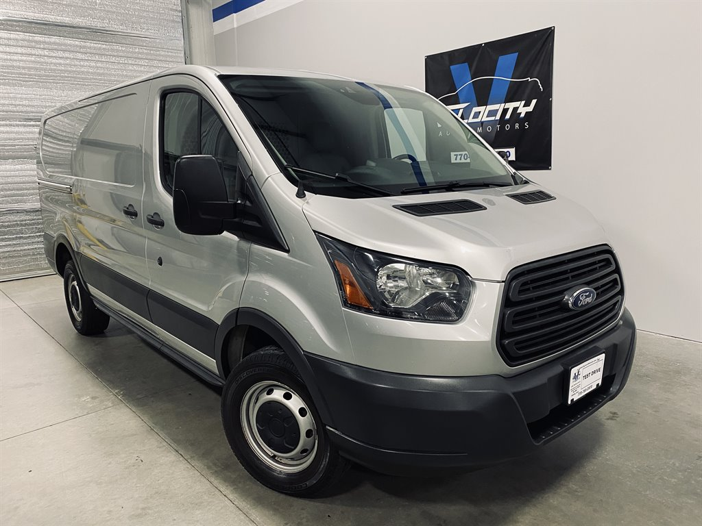 2015 Ford T250 Vans Cargo photo