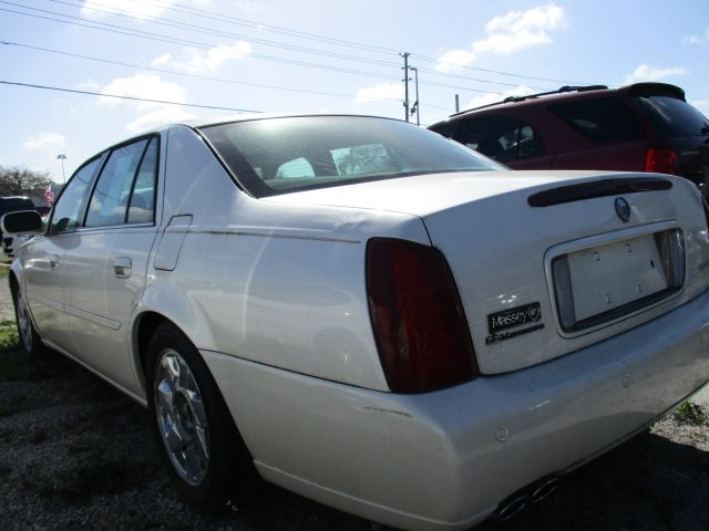 2001 Cadillac DeVille DTS photo