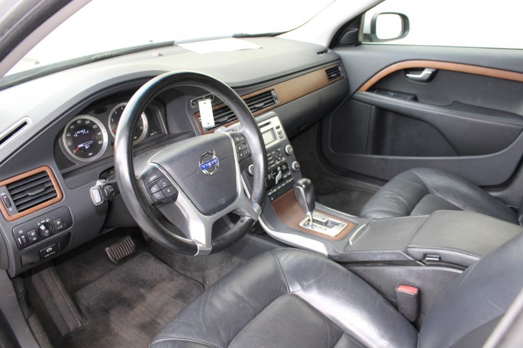 2010 Volvo S80 3.2 photo