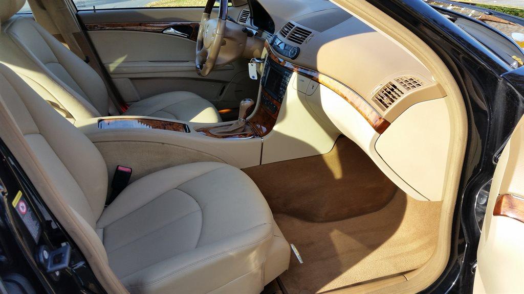 2009 Mercedes-Benz E-Class E350 photo