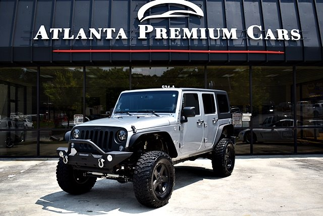 The 2013 Jeep Wrangler Unlimited Sport photos