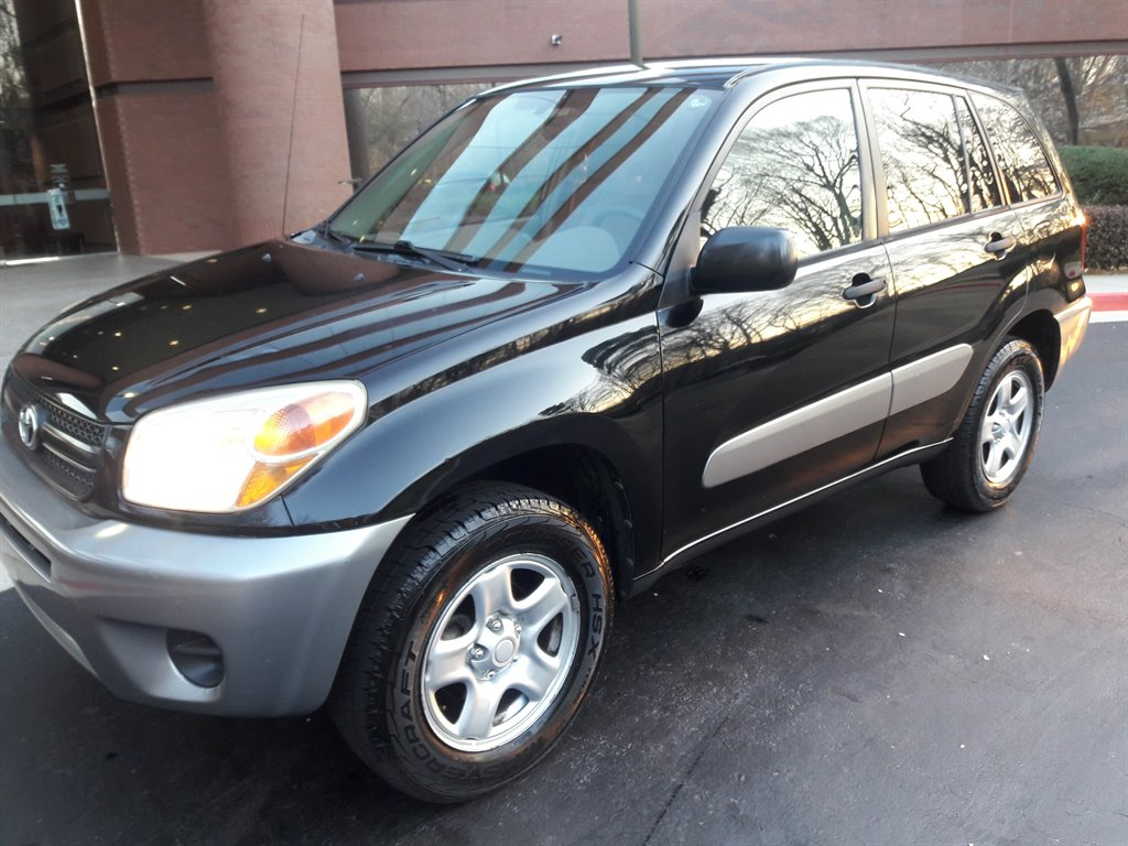 2004 Toyota RAV4 photo