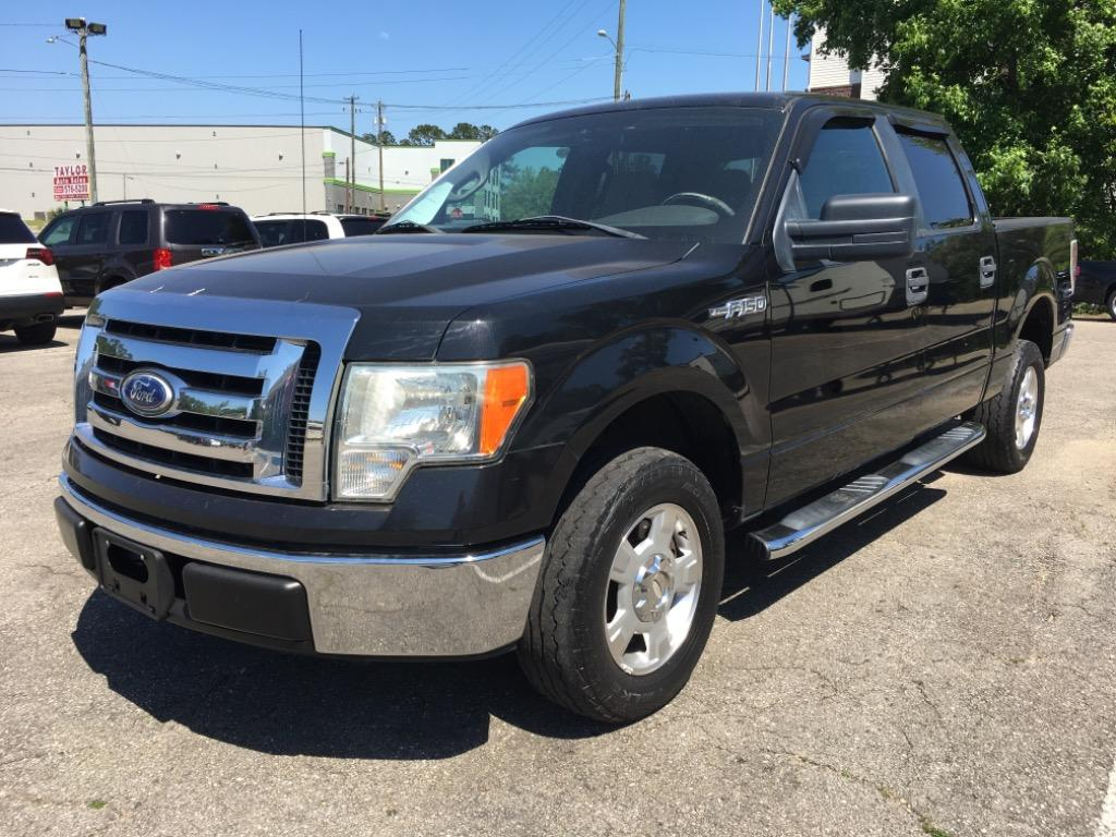2010 Ford F-150 XLT photo