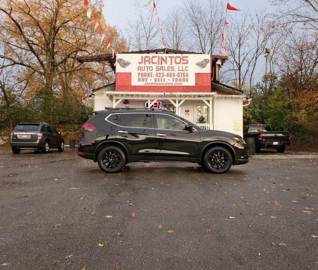 2018 Nissan Rogue SV photo