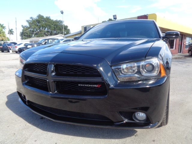 The 2014 Dodge Charger R/T photos