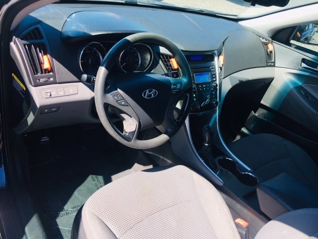 2012 Hyundai Sonata GLS photo