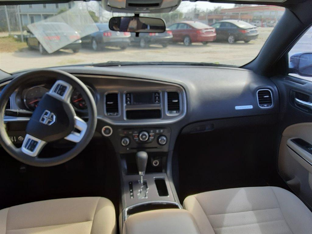 2013 Dodge Charger SE photo