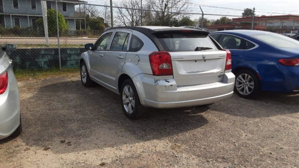 2010 Dodge Caliber SXT photo