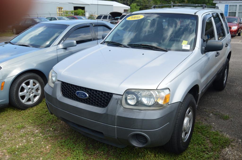 The 2006 Ford Escape XLS photos