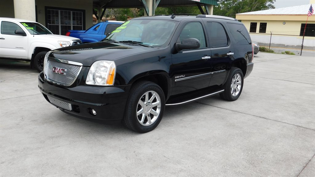 2010 GMC Yukon Denali photo