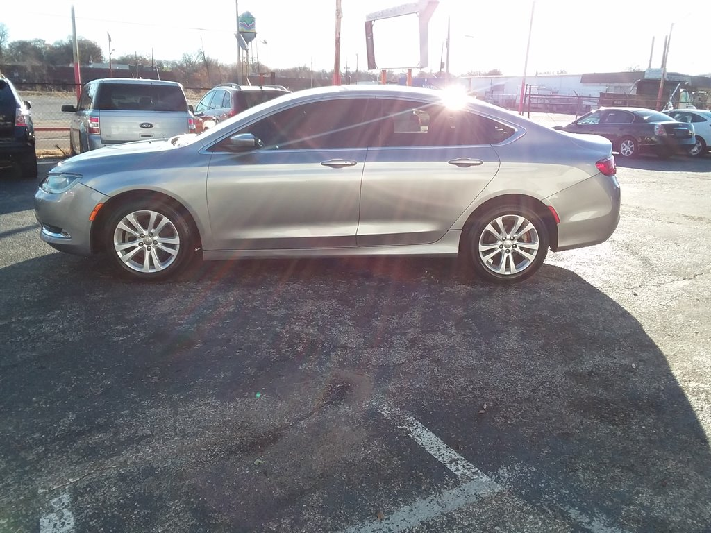 2015 Chrysler 200 Limited photo