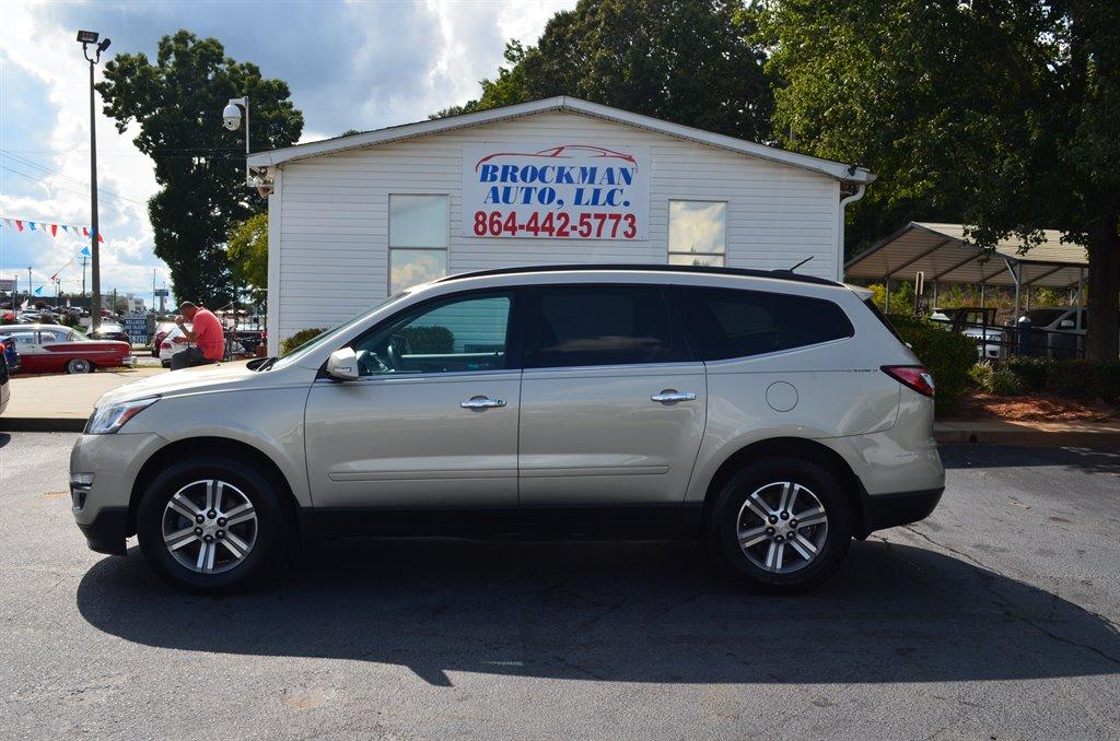 2017 Chevrolet Traverse LT photo