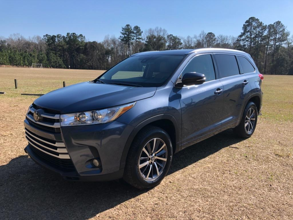 2017 Toyota HIGHLANDER XLE  photo