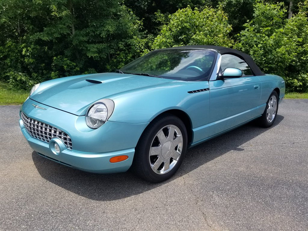 2002 Ford Thunderbird Deluxe photo