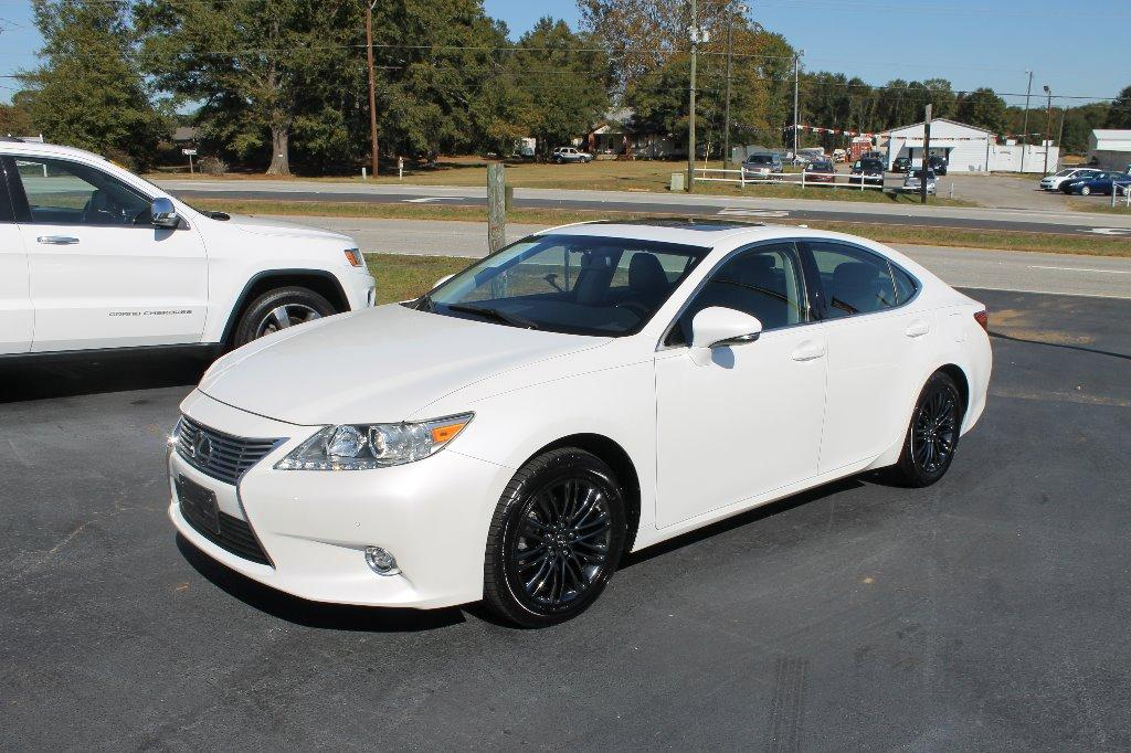 2015 Lexus ES ium photo