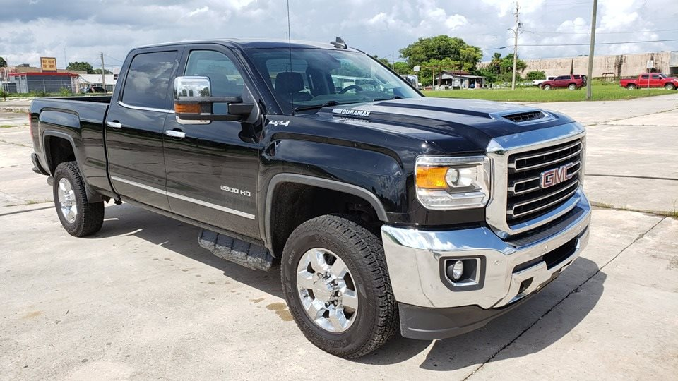 The 2018 GMC Sierra 2500 SLT photos