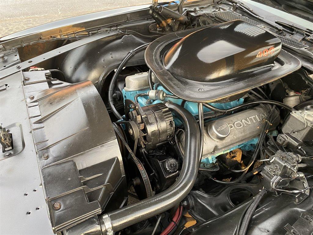 1976 Nissan Rogue S photo
