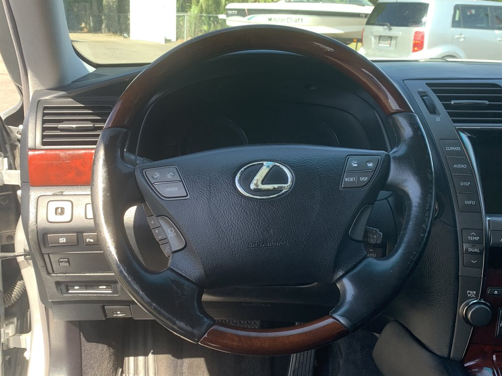 2009 Lexus LS 460 photo