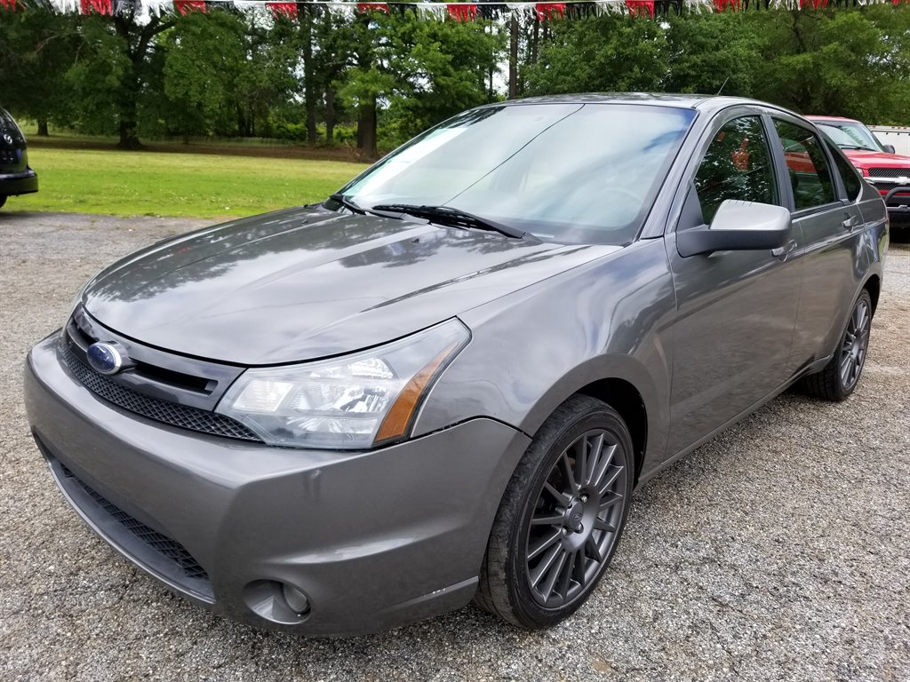 2010 Ford Focus SES photo