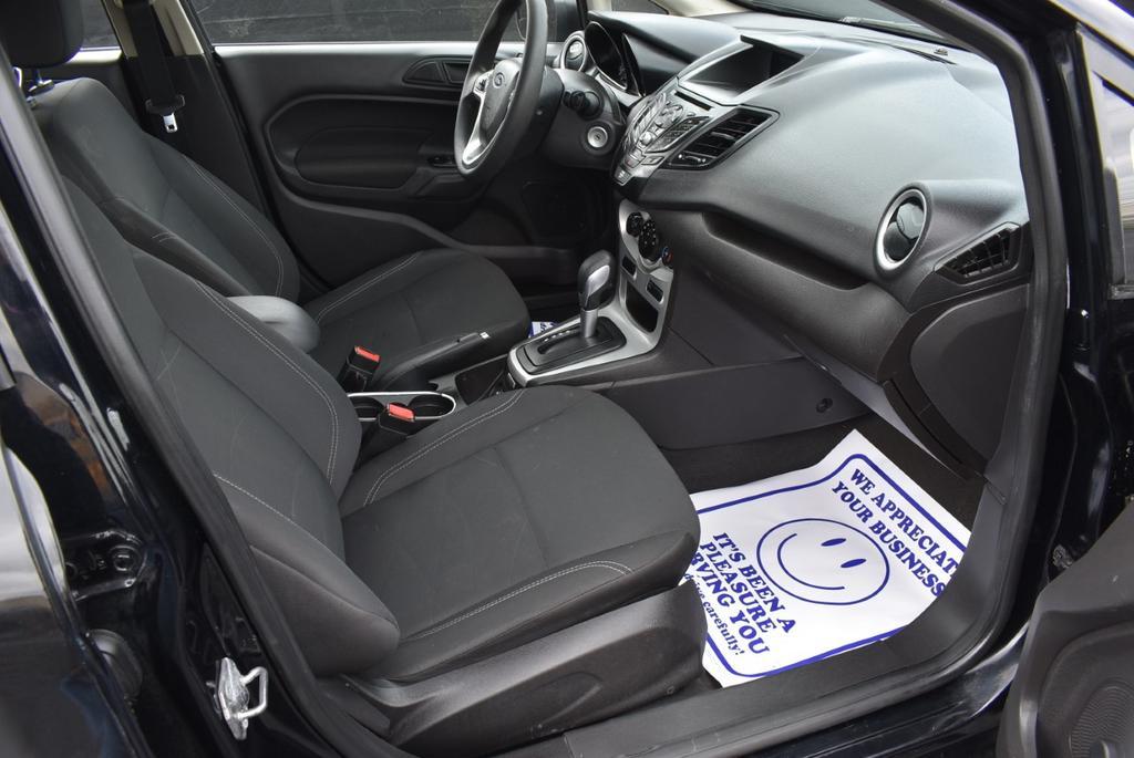 2017 Ford Fiesta SE HATCHBA photo