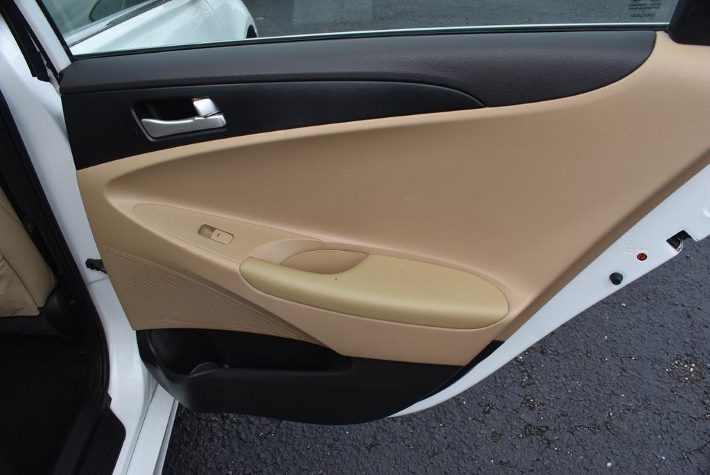 2013 Hyundai Sonata GLS photo