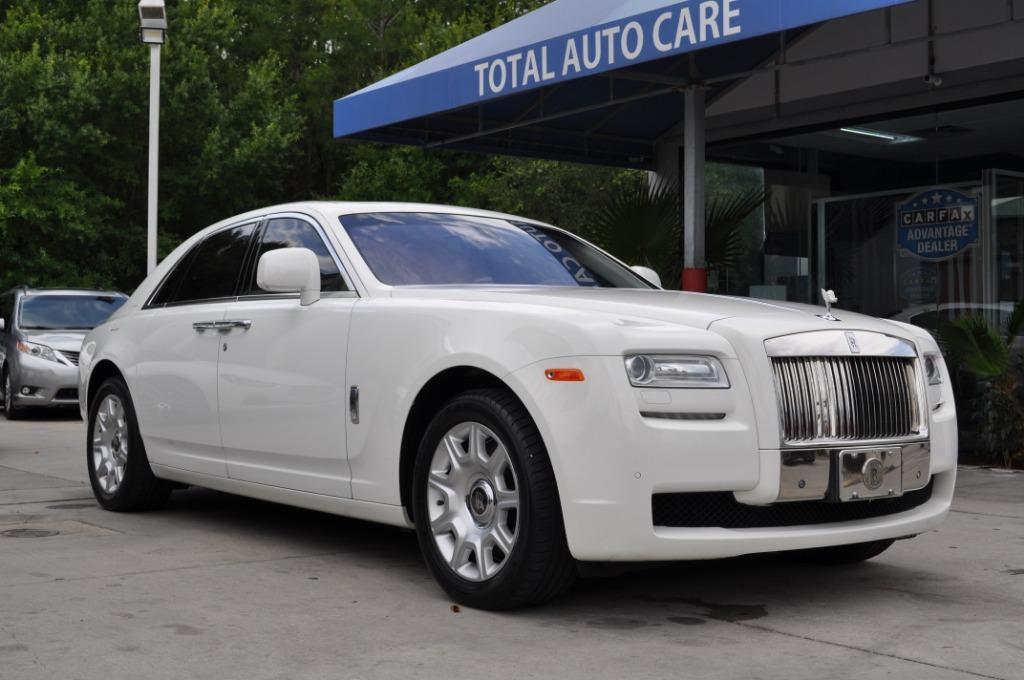 The 2010 Rolls-Royce Ghost photos
