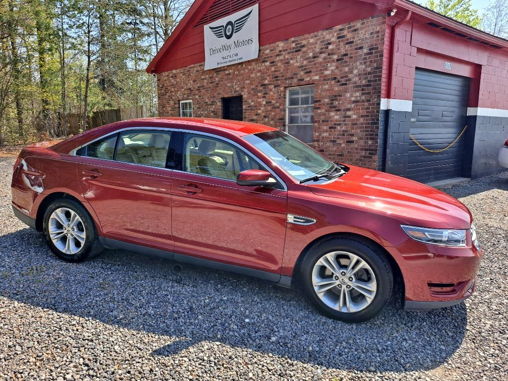 2013 Ford Taurus SEL photo