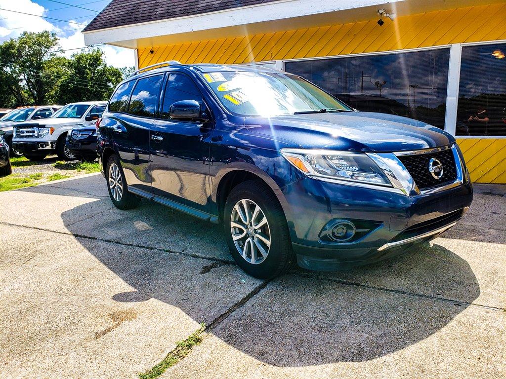 2013 Nissan Pathfinder S photo