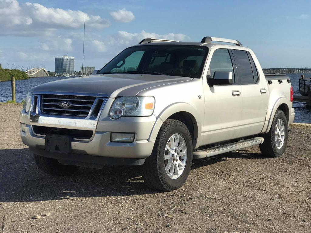 The 2007 Ford Explorer Sport Trac Limited photos
