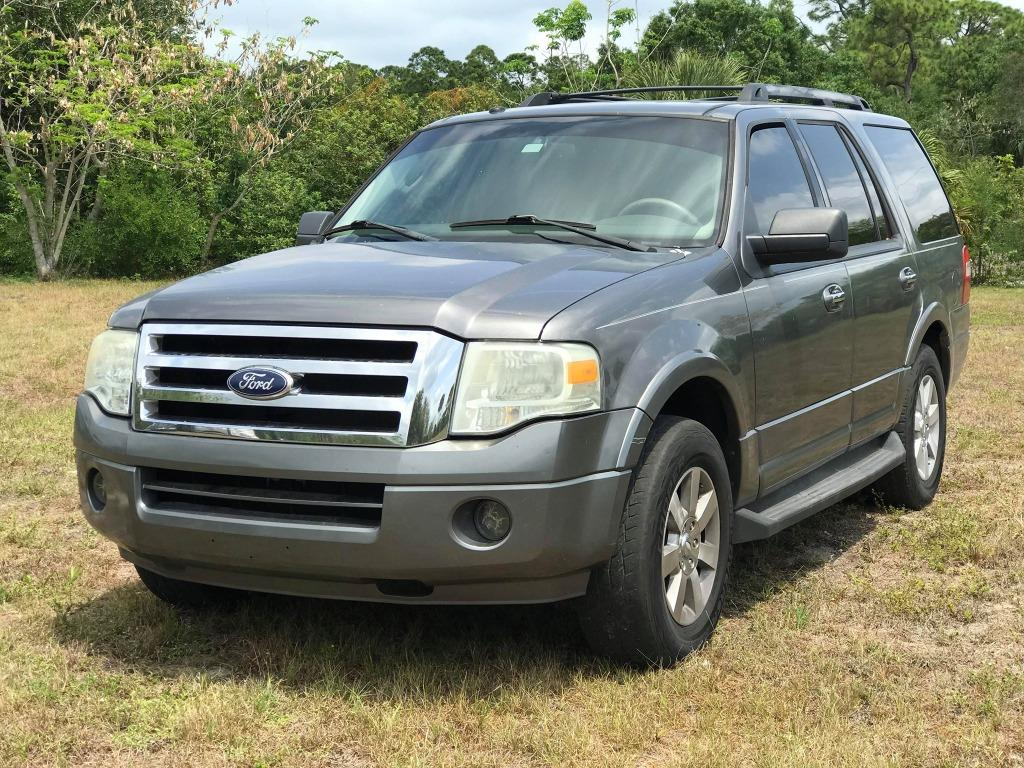 2010 Ford Expedition XLT photo