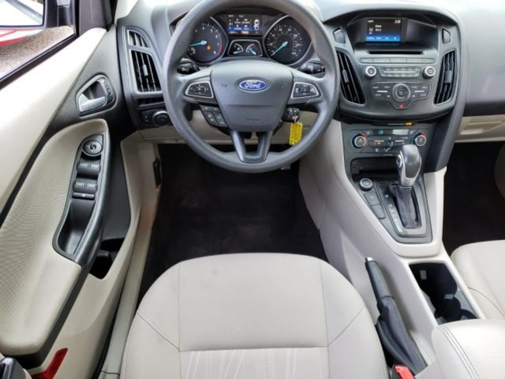 2017 Ford Focus SE photo