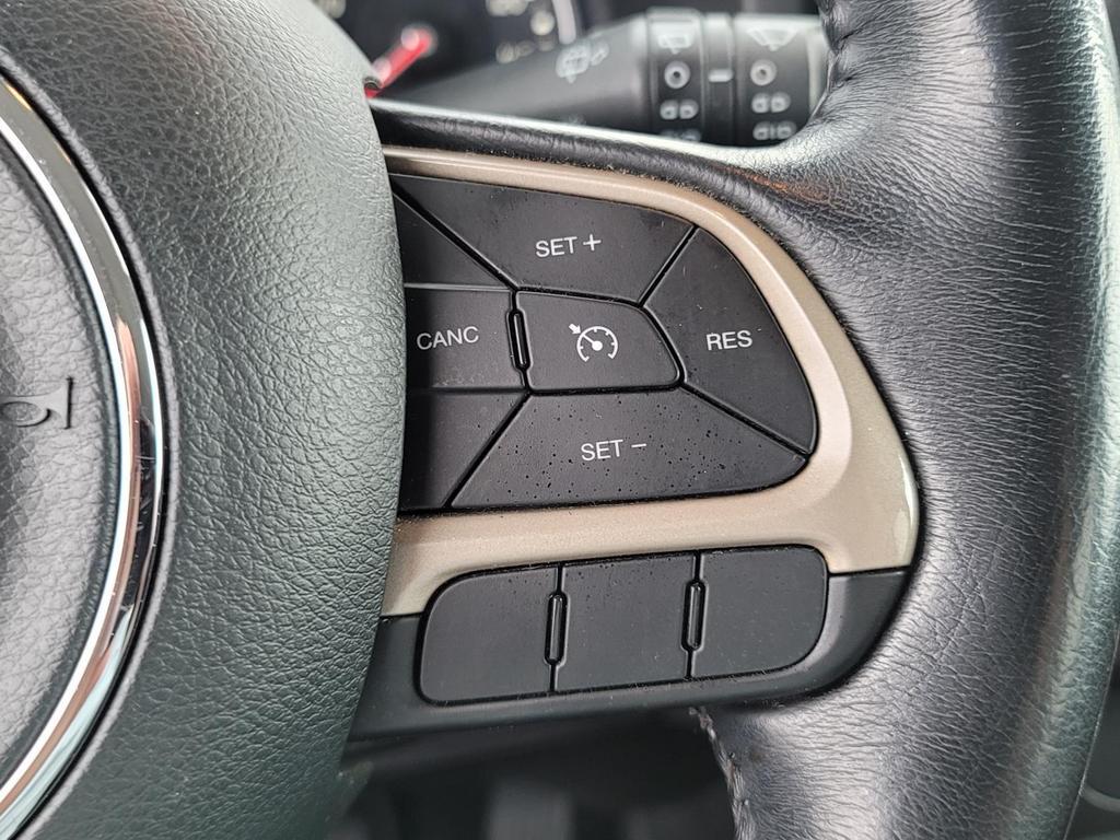 2017 Jeep Renegade Latitude photo
