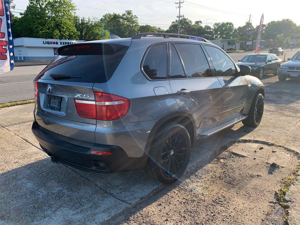 2010 BMW X5 xDrive30i photo