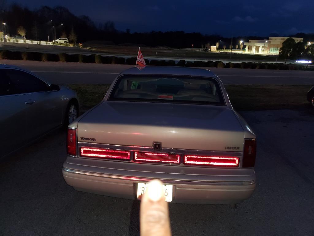 1997 Lincoln Town Car Executive photo