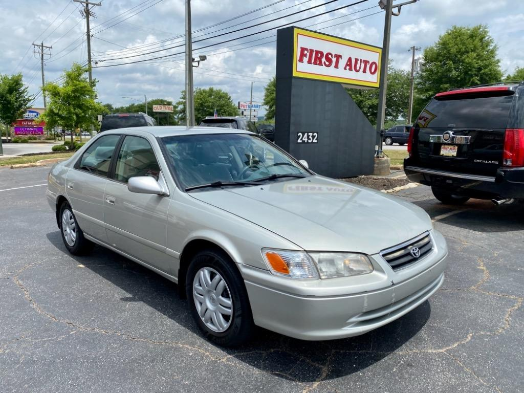 2001 Toyota Camry LE photo
