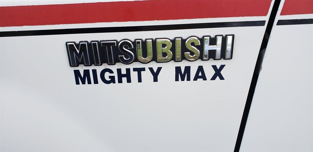 1992 Mitsubishi Mighty Max Pickup photo