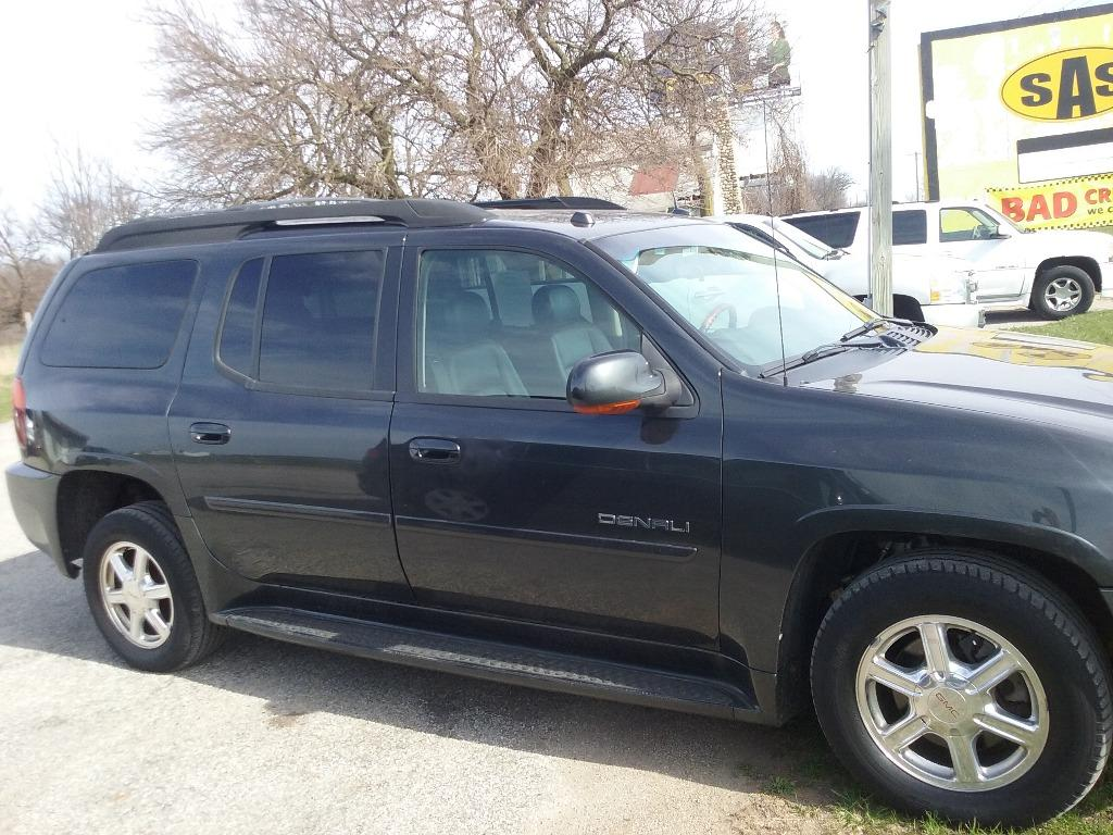 2005 GMC Envoy XL Denali photo