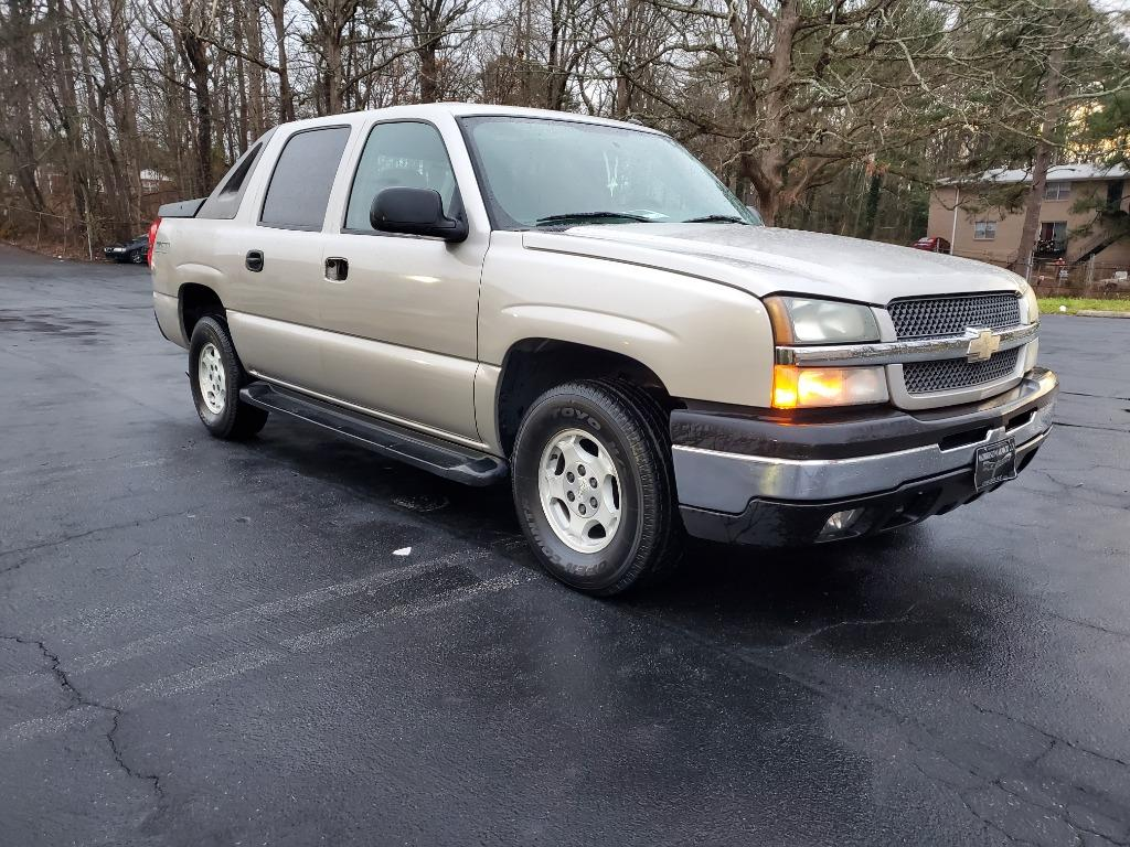 The 2005 Chevrolet Avalanche 1500 LS