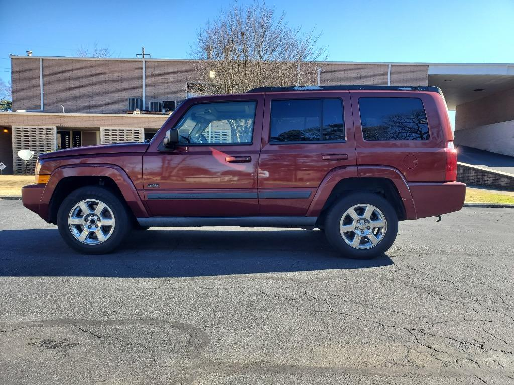 2007 Jeep Commander Sport photo
