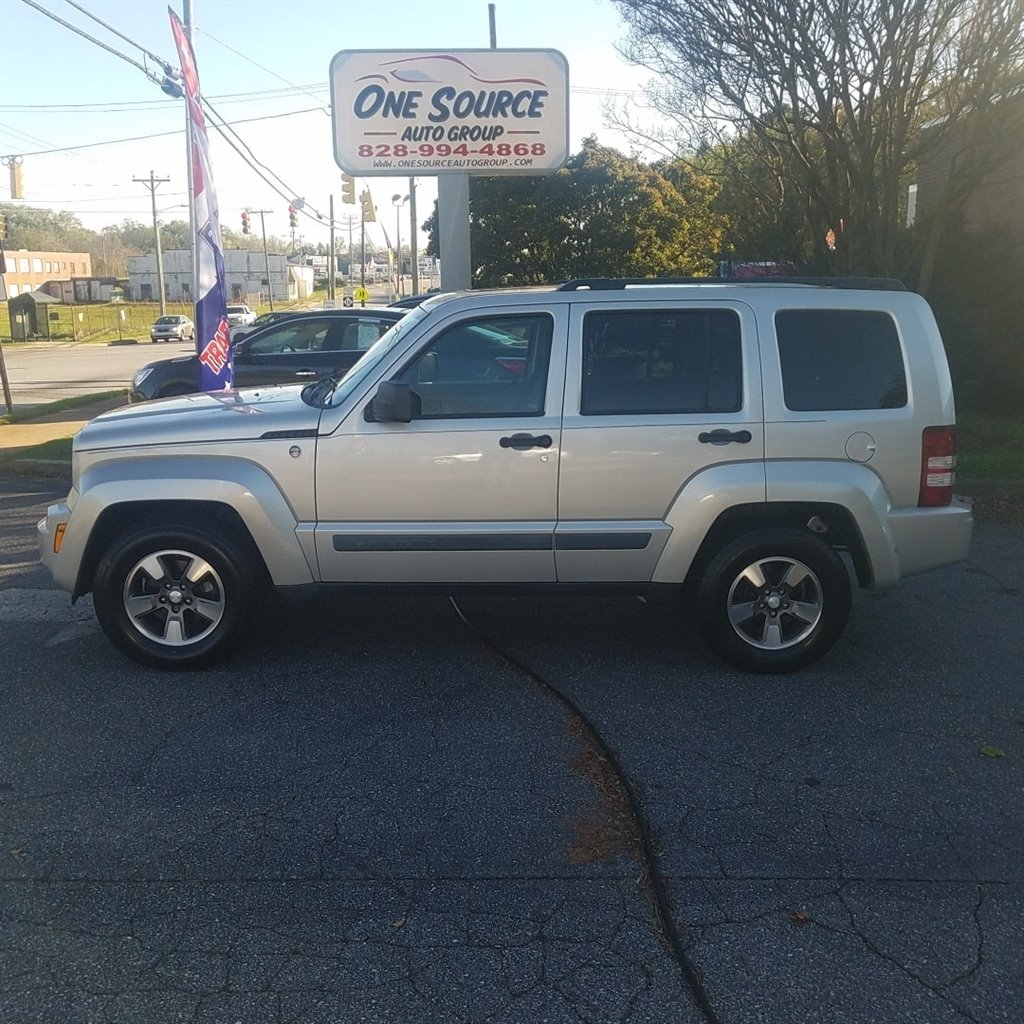 2008 Jeep Liberty Sport photo