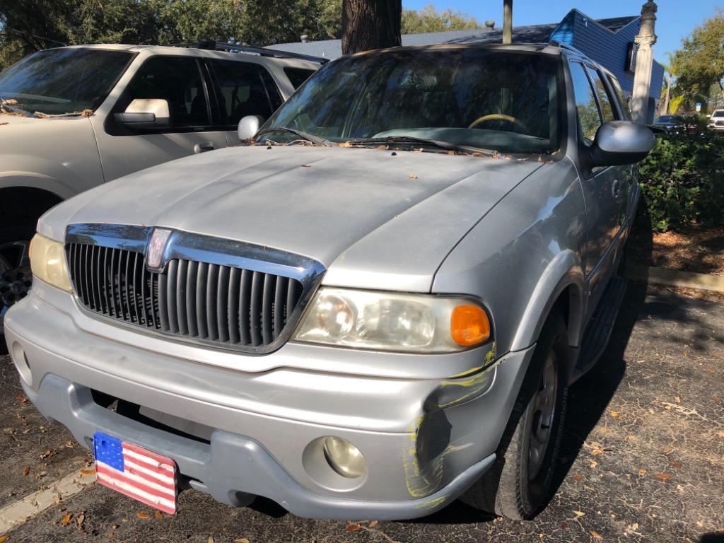 2000 Lincoln Navigator photo