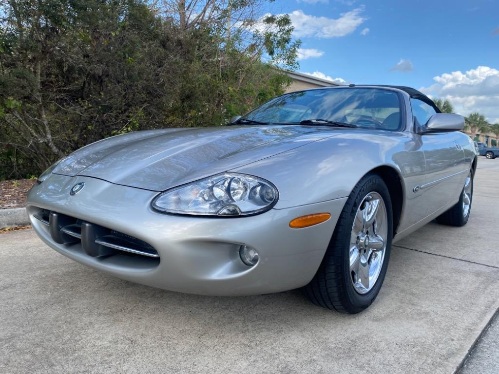 1999 Jaguar XK-Series XK8 photo
