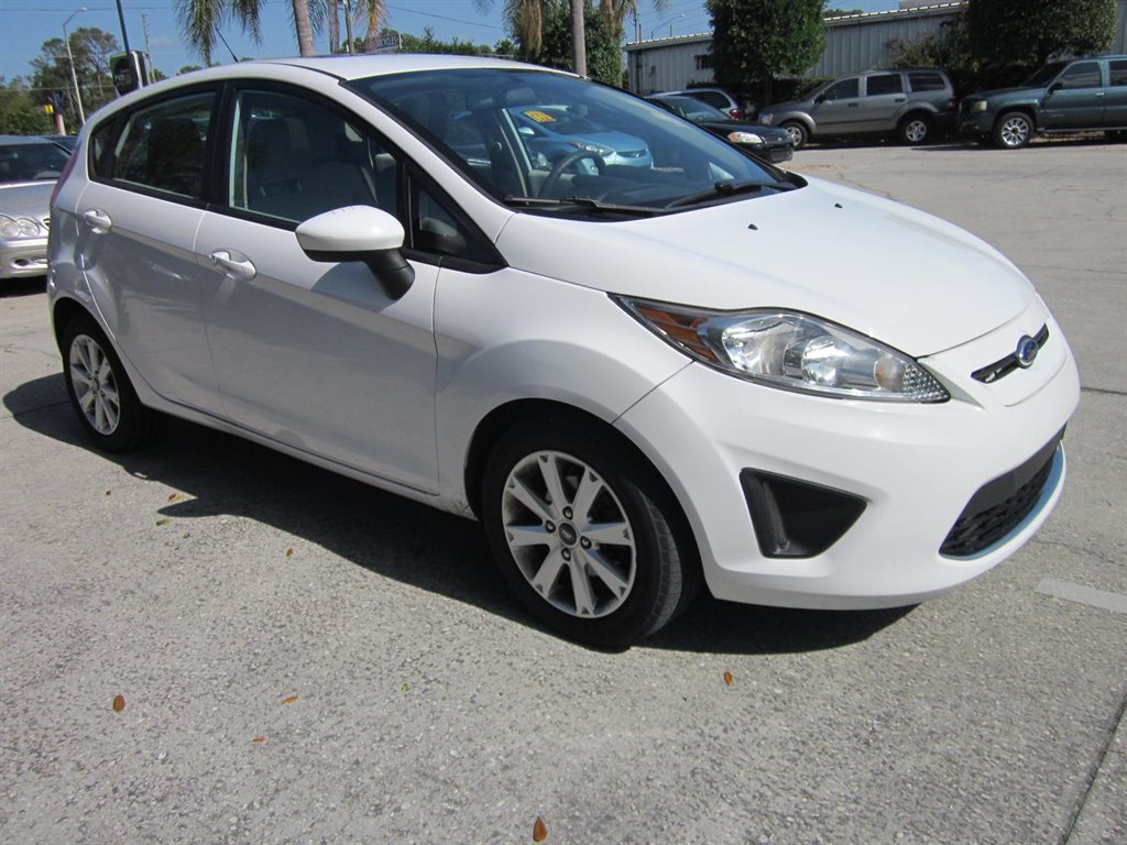 2011 Ford Fiesta SE photo